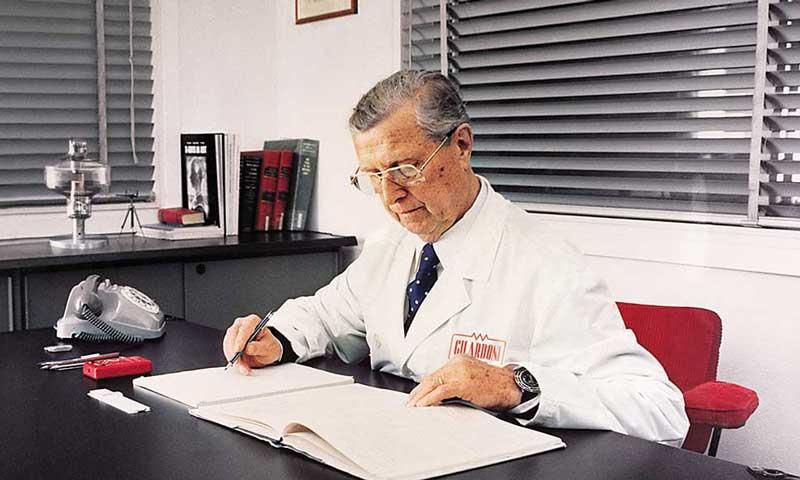 """Raggi X per il medicale: una """"Ortogil"""" del '47 al museo di Storia della Medicina del Salento"""